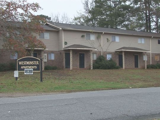 Two men shot at Westminster Apartments in Macon | 13wmaz.com